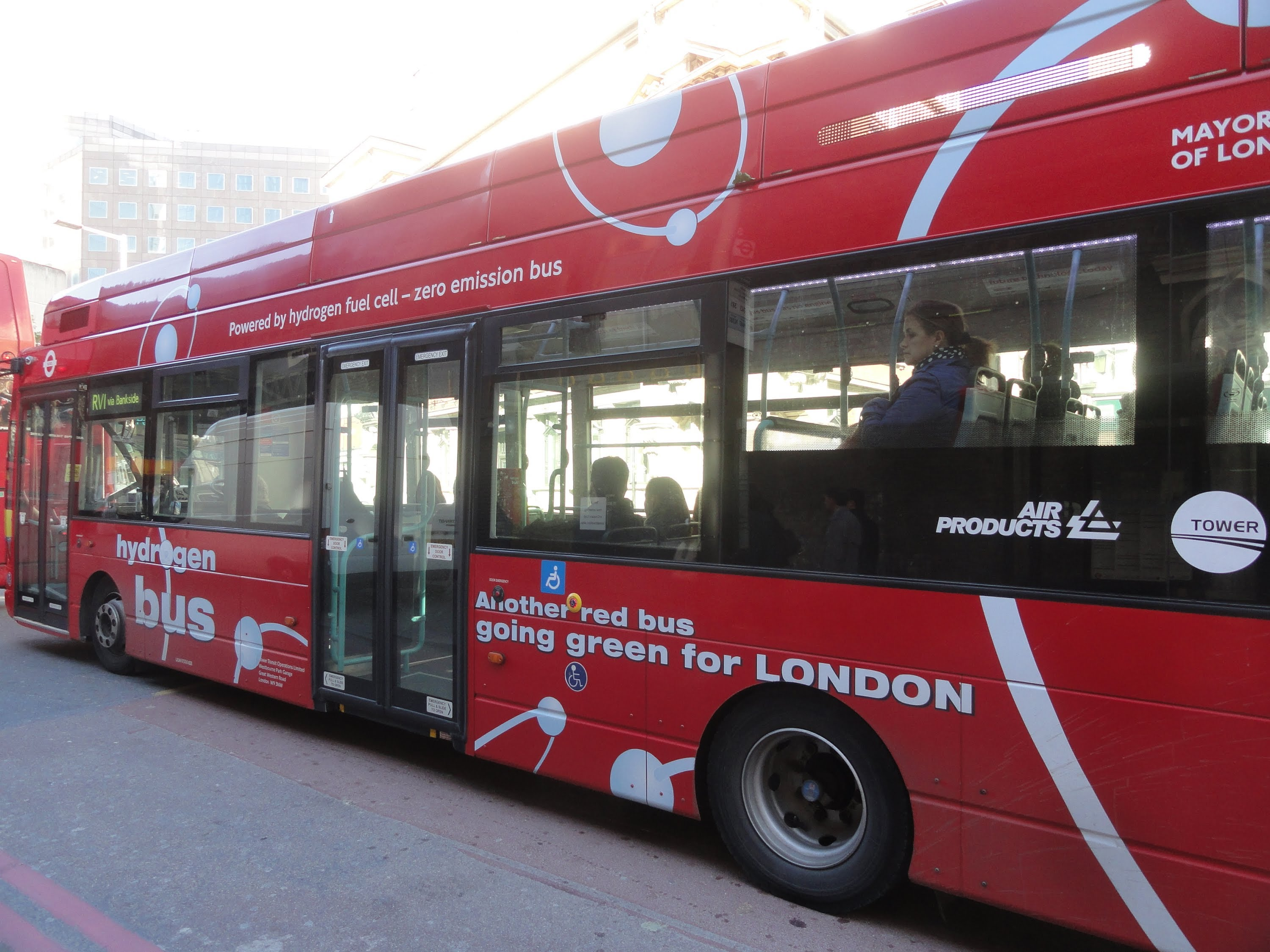 how-can-fuel-cell-buses-reduce-co2-emissions.jpg