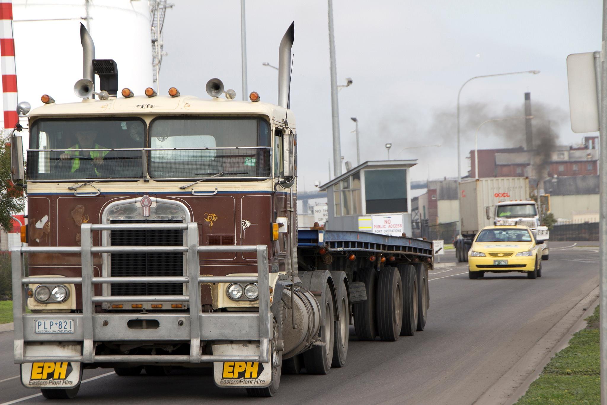 freight truck pollution