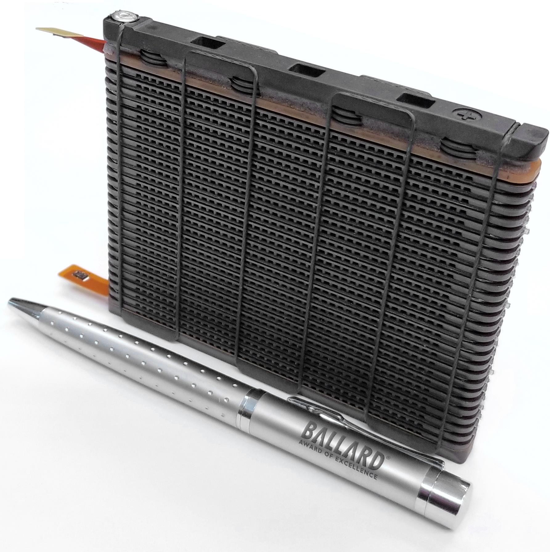 FCgen-1040-prototype-fuel-cell-stack.jpg
