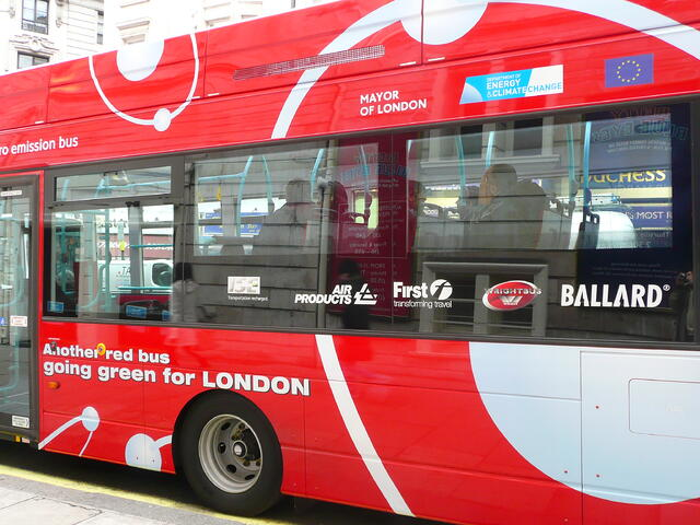 Ballard-fuel-cell-bus-London.jpg