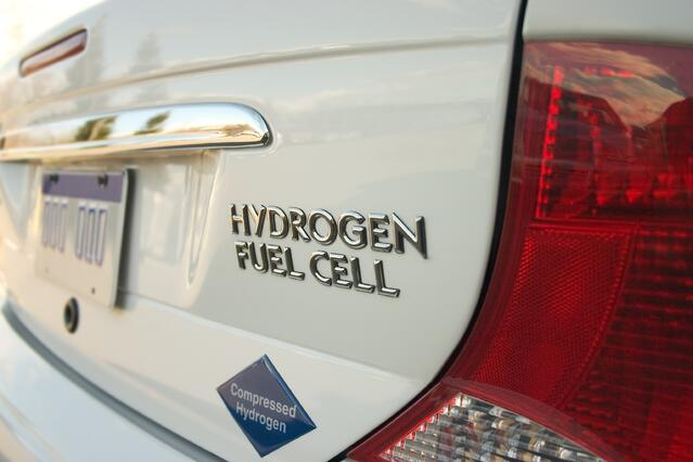 hydrogen fuel cell vehicles