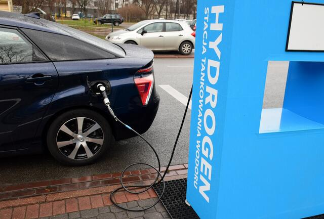 refueling-renewable-hydrogen
