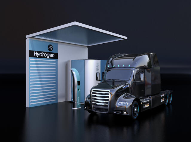 truck-refueling-renewable-hydrogen