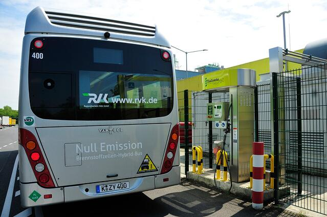 fuel-cell-electric-bus