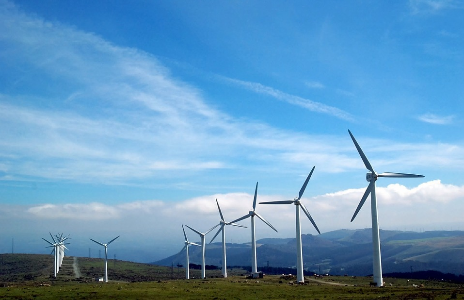 Clean hydrogen production using wind power
