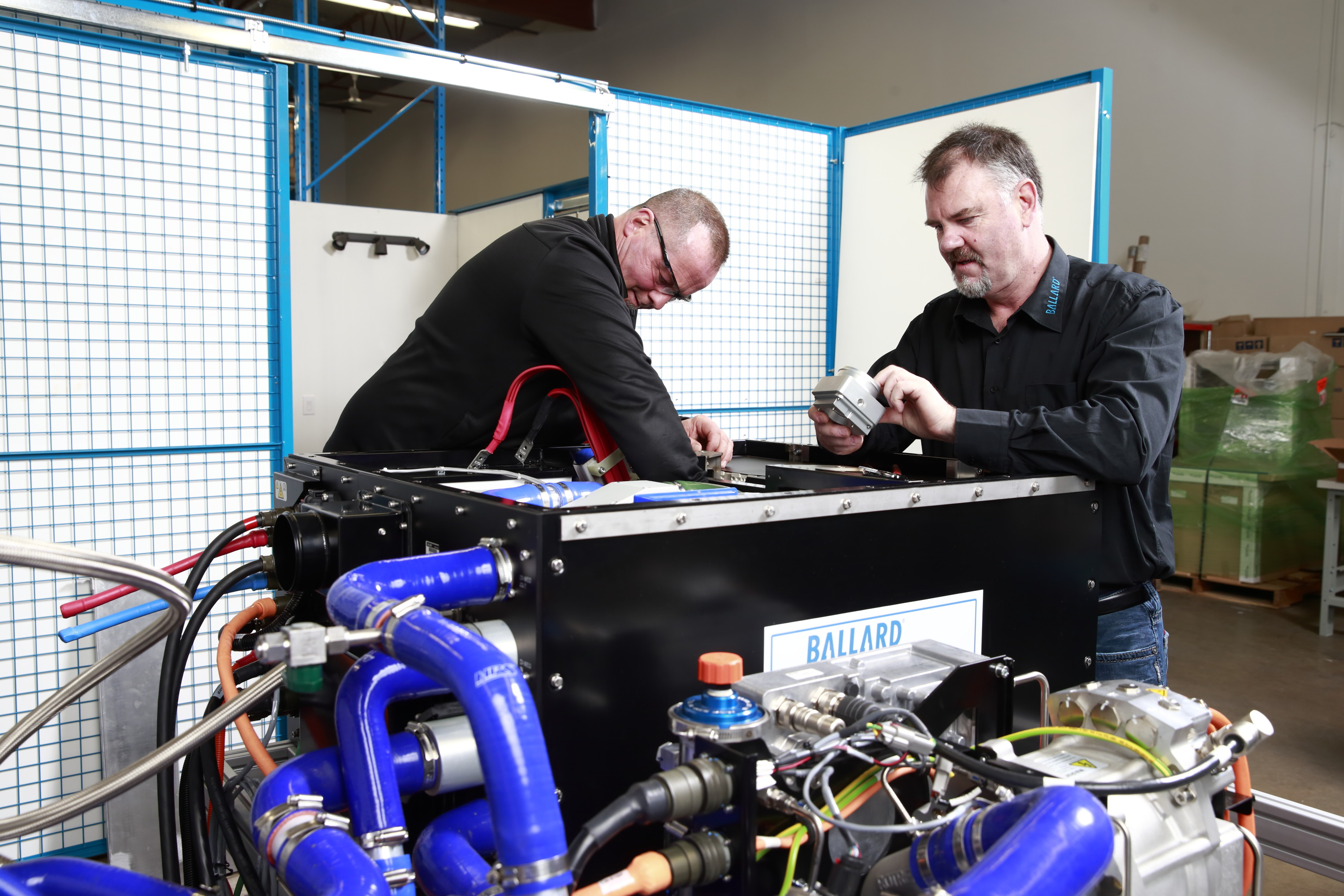 Fuel cell bus maintenance technicians