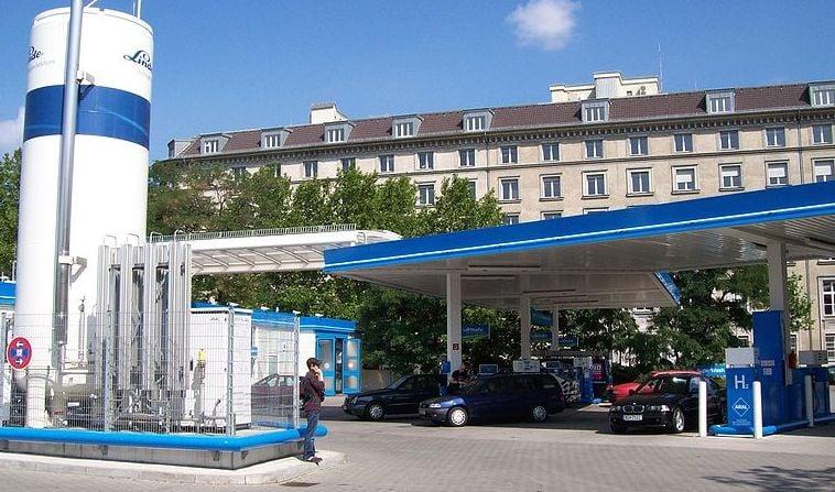 hydrogen-refueling-station-linde